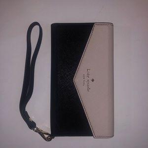 NEW iPhone 7/8 Kate Spade Wristlet Case